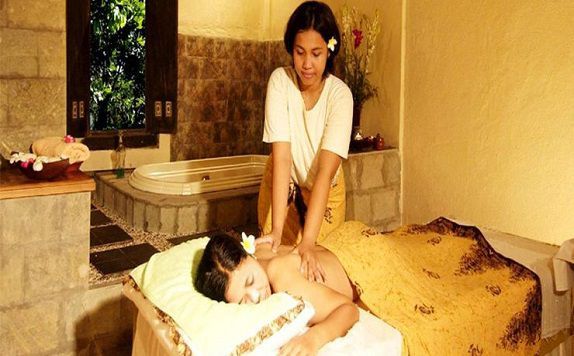 Massage di The Jayakarta Bali Beach Resort Residence and Spa