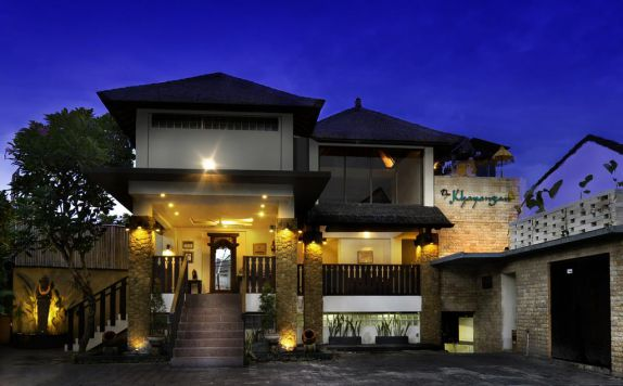 exterior di The Khayangan Dreams Villa