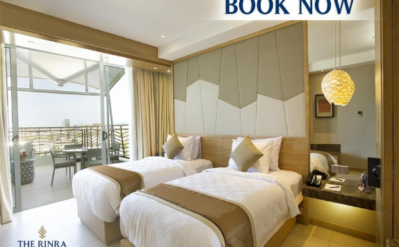 Guest room di The Rinra Hotel Makassar