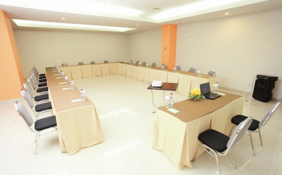 Meeting room di The Square Hotel
