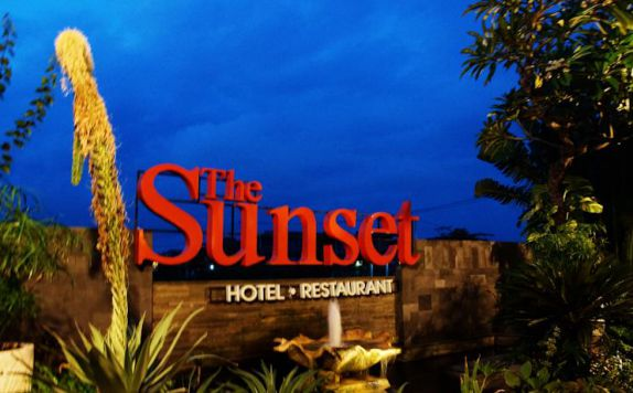 di The Sunset Hotel