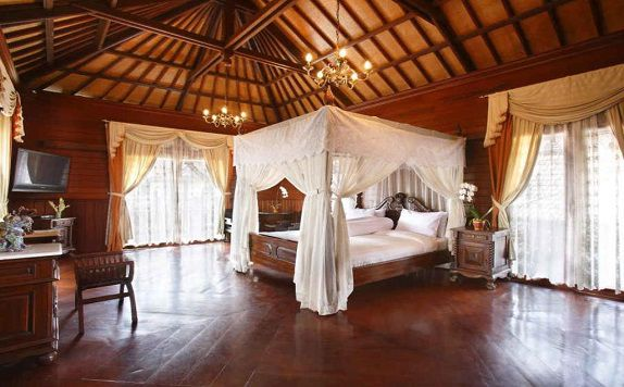 Double Bed di The Volcania Guest house