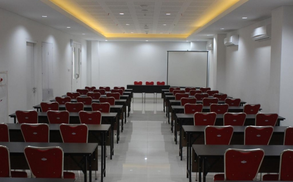 Meeting room di The Win Hotel Surabaya