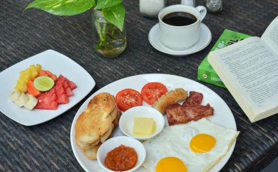 Food and beverages di Three Brothers Bungalow