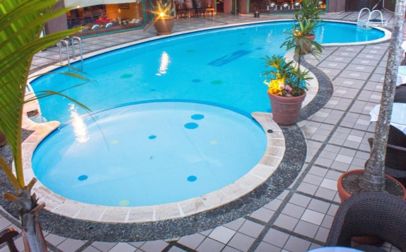 Swimming Pool di Travellers Suites