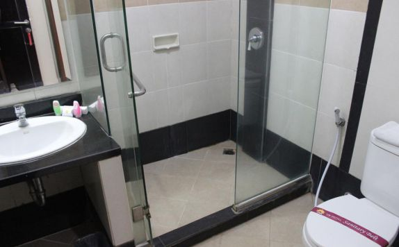 bathroom di UB Hotel