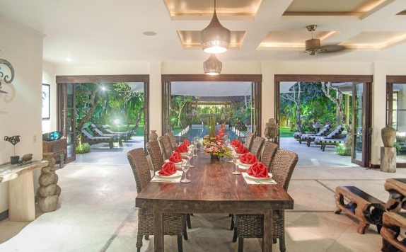 Dinning Room di Villa Avalon