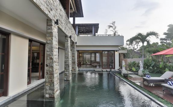 Swimming Pool di Villa Kumuda
