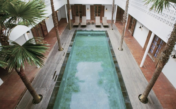 Swimming Pool di Adhisthana