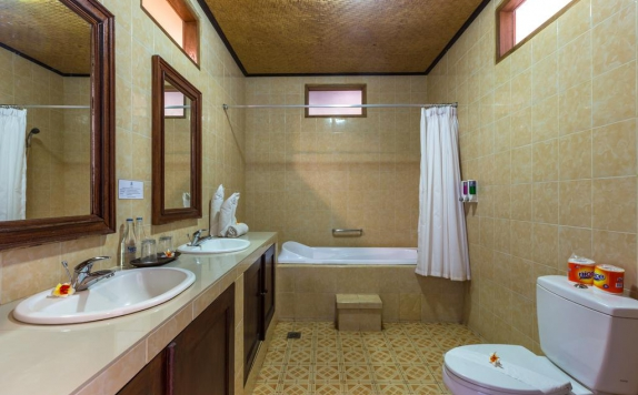 Bathroom di Adirama Beach