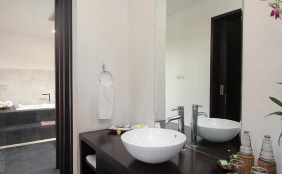 Bathroom di Adnyana Villas & Rooms