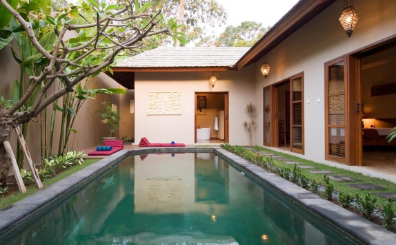 Swimming Pool di Ajanta Villas