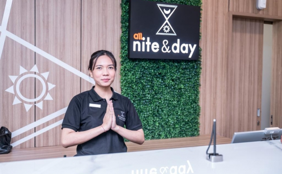 Receptionist di All Nite and Day Residence Kebon Jeruk