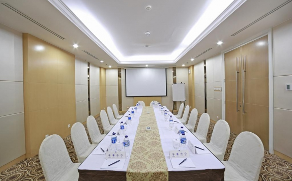 Meeting room di All Sedayu Kelapa Gading Hotel