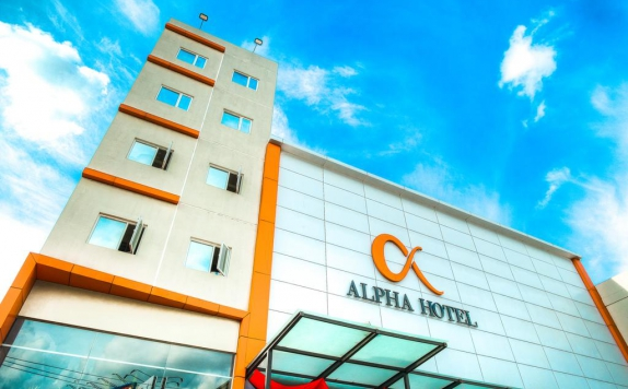 Front view di Alpha Hotel
