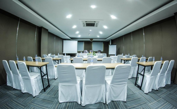 Meeting room di Alpha Hotel