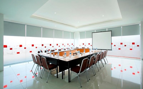 Meeting Room di Amaris Tebet