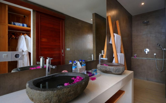Bathroom di Anema Resort Gili Lombok