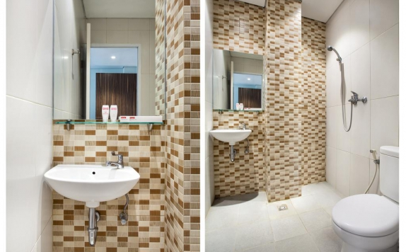 Bathroom di Apple Platinum Hotel