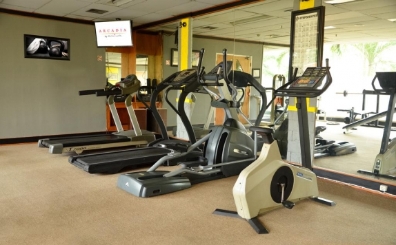 Gym and Fitness Center di Arcadia Surabaya Hotel (Ex Ibis Rajawali)