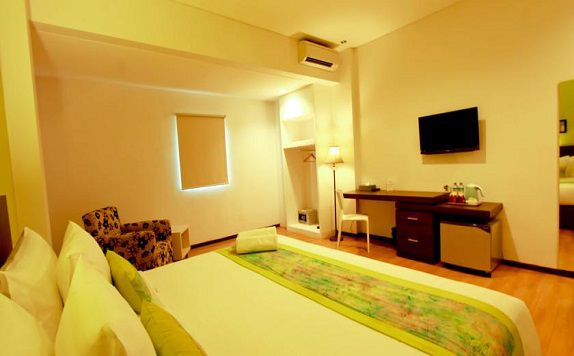 King Bed di Arianz Hotel