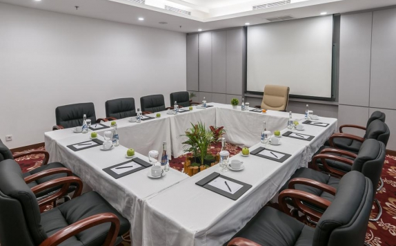 Meeting room di Arthama Losari Makassar