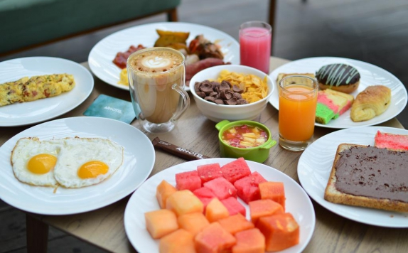 Food and Beverages di Artotel Sanur Bali