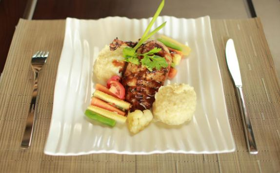 food di ARUNA SENGGIGI RESORT & CONVENTION
