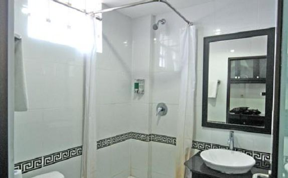 Bathroom di Arya Hotel and Spa