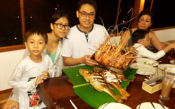 Food and Beverages di Arys Lagoon Bungalow & Hotel