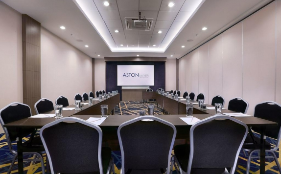 Meeting room di Aston Anyer Beach Hotel