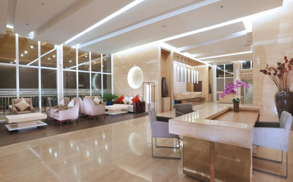 Receptionist di Aston Banua Hotel & Convention Center Banjarmasin