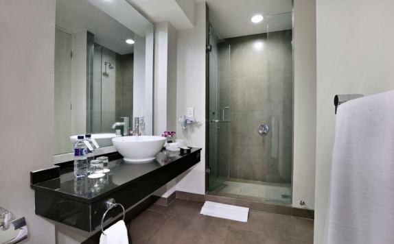 Bathroom di Aston Bogor Hotel & Resort
