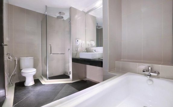 Bathroom di Aston Karimun City