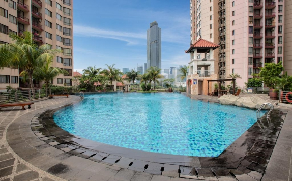 Swimming Pool di Aston Rasuna