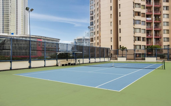 Tennis Court di Aston Rasuna