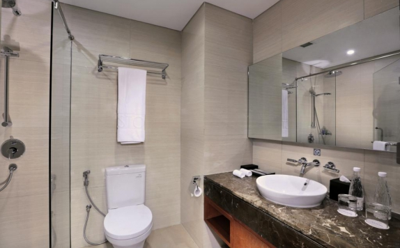Bathroom di Aston Sentul Lake Resort & Conference Center