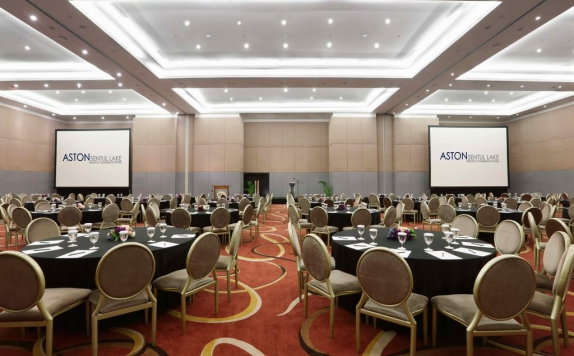 Meeting room di Aston Sentul Lake Resort & Conference Center