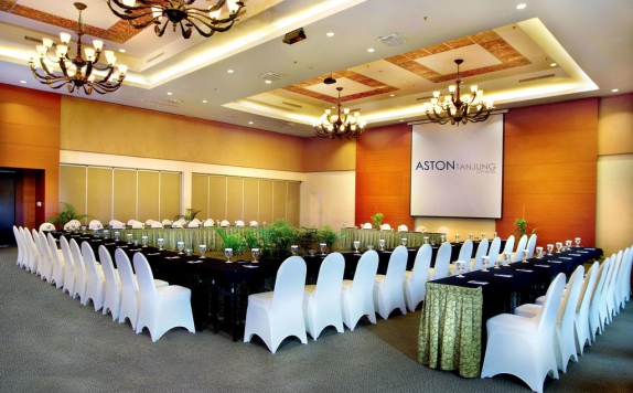 Meeting room di Aston Tanjung City Hotel