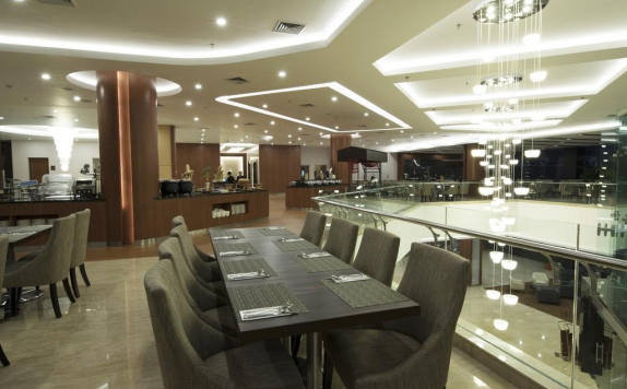 Restaurant di Avenzel Hotel and Convention