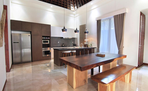 kitchen room di Bale Mandala Villas