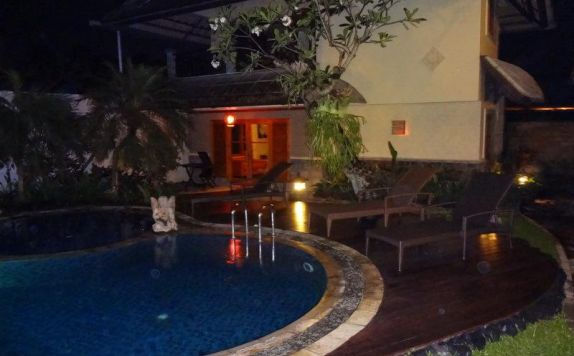 Swimming Pool di Bali Bunga Villas