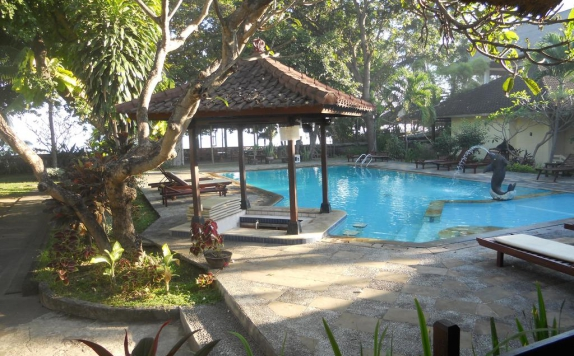 Swimming Pool di Bali Lovina Beach Cottages