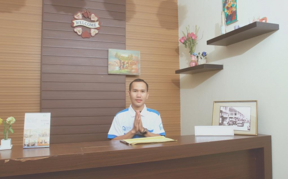 Receptionist di Bantal Guling Unique Guesthouse