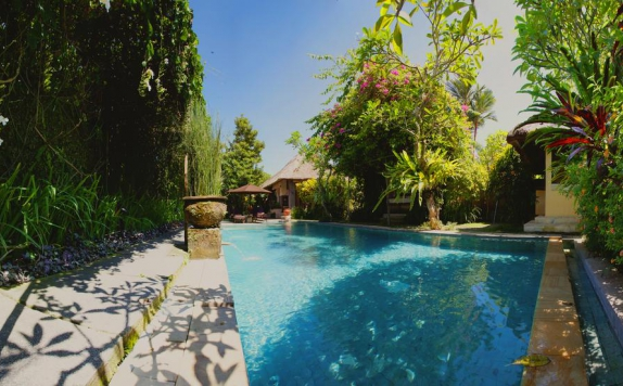 Swimming Pool di Barong Resort Bali