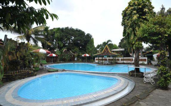 Batik yogyakarta hotel di yogyakarta jogja for Jogja plaza hotel swimming pool