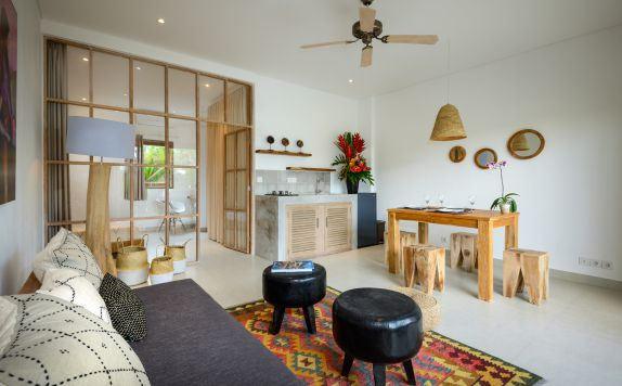 ONE BEDROOM APARTMENT LIVING AREA di Canggu beach apartments