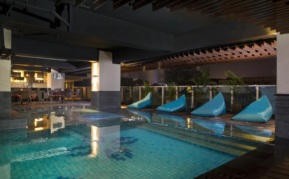 swiming pool di Best Western Premier La Grande