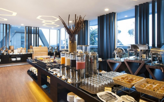 Food and Beverages di Best Western Premier The Hive