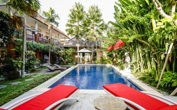 Swimming Pool di Bisma Sari Resort Ubud